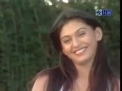 KUJEET RANDHAWA POPULAR INDIAN T.V. ACTRESS